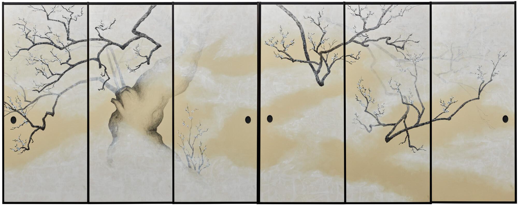 襖 老梅図改行 アクリル,墨汁,和紙,漆縁,   5100×2100mm, 2019